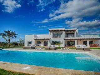 Bright 5 bedroom Villa in Santa Gertrudis with Internet Access - Santa Gertrudis vacation rentals