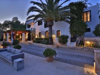 Lovely 6 bedroom Villa in Santa Gertrudis - Santa Gertrudis vacation rentals