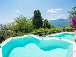 Perfect 5 bedroom Villa in Erchie - Erchie vacation rentals