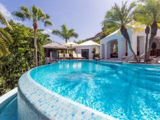 Comfortable 4 bedroom Villa in Camaruche - Camaruche vacation rentals