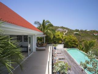 Bright 4 bedroom Villa in Camaruche - Camaruche vacation rentals