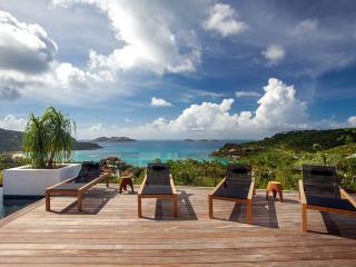 Gorgeous 4 bedroom Villa in Camaruche - Camaruche vacation rentals