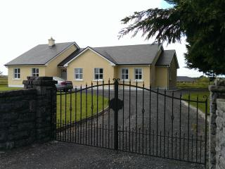 4 bedroom House with Internet Access in Ballinrobe - Ballinrobe vacation rentals