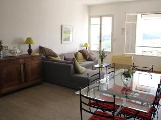 Apartment Cafeain overlooking the River Orb - Roquebrun vacation rentals