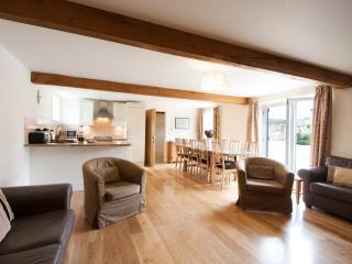 Nice 5 bedroom Bathampton House with Internet Access - Bathampton vacation rentals