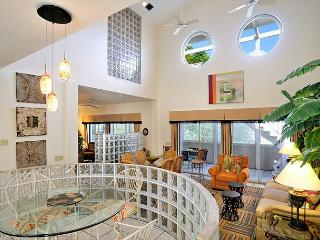 Duval Square Penthouse: A large, beautiful condo steps from the action - Key West vacation rentals