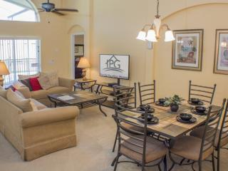 Executive 4 Bed Villa With Pool & Spa Near Disney! - Davenport vacation rentals