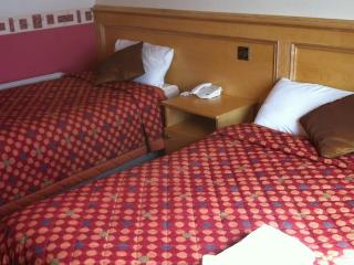 Pier House Guesthouse & Restaurant - Twin Room - Galway vacation rentals