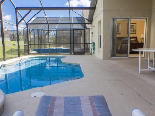 Executive 4 Bed Villa With Pool & Spa Near Disney! - Davenport vacation rentals