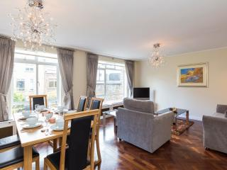 98. 2BR MARYLEBONE-STEPS TO OXFORD STREET, REGENTS - London vacation rentals