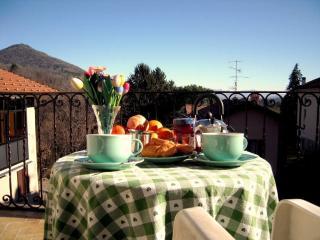 Delizioso appartamento in piccolo borgo rurale - Varese vacation rentals