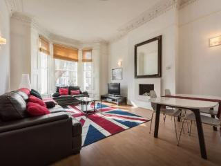 Beautiful Victorian flat Maida Vale - London vacation rentals
