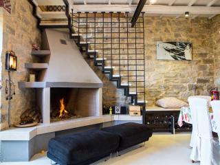 ELBORGINI traditional cretan house - Heraklion vacation rentals