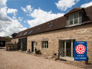 Hay Barn Cottage: Sleeps 10 - Bathampton vacation rentals