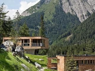 Nice House in Kals am Grossglockner with Dishwasher, sleeps 8 - Kals am Grossglockner vacation rentals