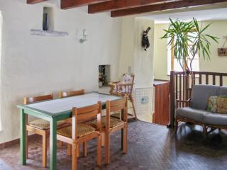 Peaceful house with gorgeous views - La Garde-Adhemar vacation rentals