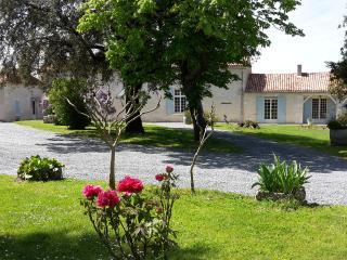 Domaine de la Gironie: charme ,quiétude. 4 étoiles - Pomport vacation rentals
