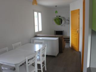 Le Clos de l'Arc Gîte le mandarine (6 personnes) - Vallon-Pont-d'Arc vacation rentals