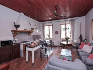 Urban Flair Piazza Navona Family Residence - Rome vacation rentals