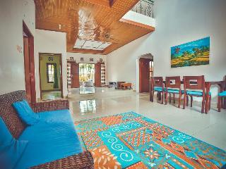 Beautiful Villa with Internet Access and A/C - Benoa vacation rentals