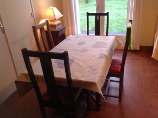 Romantic 1 bedroom Roscoff Condo with Parking - Roscoff vacation rentals
