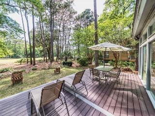 Gloucester Road 77, 3 Bedrooms, Hot Tub, Golf View, Sleeps 10 - Hilton Head vacation rentals