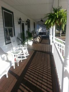 Convenient 3 bedroom Oak Island House with A/C - Oak Island vacation rentals