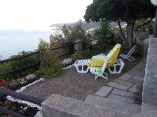 casa fronte mare 5 minuti a piedi - Arbus vacation rentals
