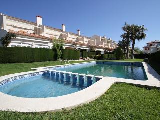 C20 TOLU adosado, frente al mar, jardín privado - Miami Platja vacation rentals