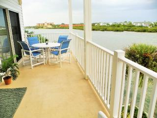 Beautiful Water Views! Best Of Both Worlds - Indian Rocks Beach vacation rentals