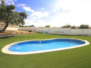 C37 NELA adosado jardín privado barbacoa y piscina - L'Hospitalet de l'Infant vacation rentals