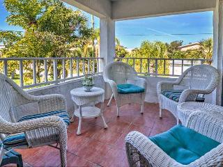 Beautiful Condo with Internet Access and Shared Outdoor Pool - Holmes Beach vacation rentals
