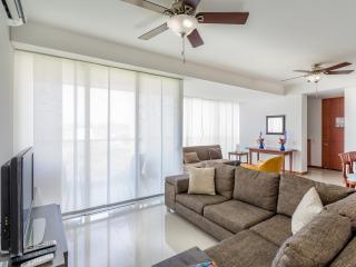 Cozy vacation apartment: relax and have fun!!  ツ - Santa Marta vacation rentals