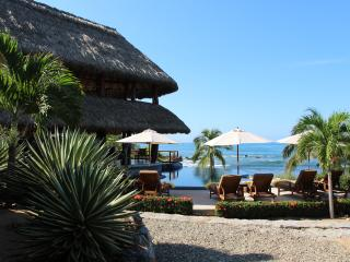 Enjoy a rock free ocean swim at Villa Milagro! - Troncones vacation rentals