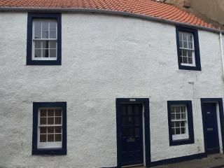 Smuggler's Well - cosy characterful retreat - Cellardyke vacation rentals