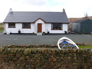 Luxury  holiday bungalow stunning loch view - Bunessan vacation rentals