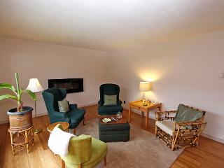 Nice 3 bedroom Owen Sound Cottage with Deck - Owen Sound vacation rentals