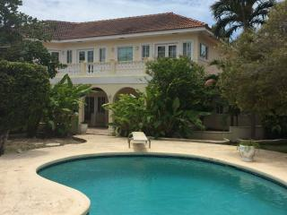 Nice House with Internet Access and Satellite Or Cable TV - Nassau vacation rentals