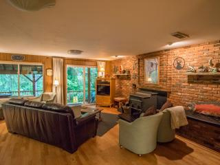 A COZY RIVER HOUSE II Relaxing Riverfront Getaway - Forks vacation rentals