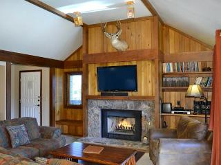 Lovely 3 bedroom Teton Village Apartment with Deck - Teton Village vacation rentals