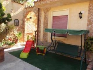 2 bedroom House with Washing Machine in Tre Fontane - Tre Fontane vacation rentals
