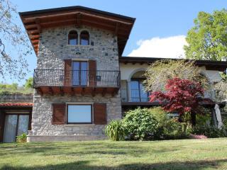 3 bedroom Villa with Washing Machine in Riva di Solto - Riva di Solto vacation rentals