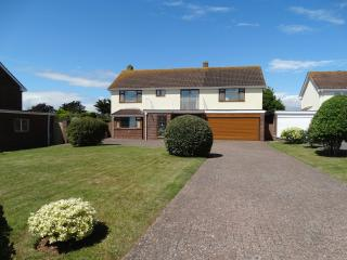 Lovely 4 bedroom Exmouth House with Internet Access - Exmouth vacation rentals