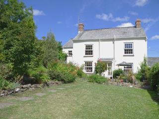 Comfortable 3 bedroom House in Bideford with Internet Access - Bideford vacation rentals