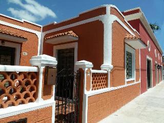 """CASA LUNA"" BEAUTY IN SANTA ANA - Merida vacation rentals"