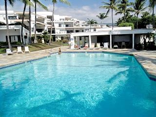 SPECIAL Oceanfront Sea Cliff Resort Location Locat - Kailua-Kona vacation rentals