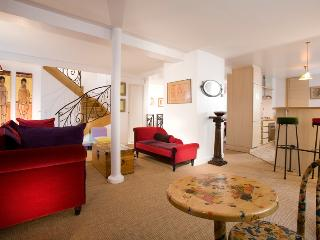 Marais Gem -  Lovely Townhouse in the Marais - Paris vacation rentals