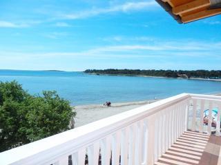 Perfect 1 bedroom Medulin Villa with Internet Access - Medulin vacation rentals