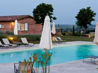 Cozy Marciano Della Chiana Apartment rental with Internet Access - Marciano Della Chiana vacation rentals