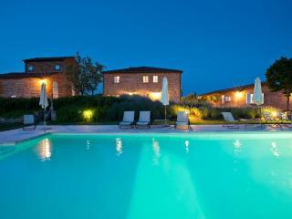 Bright Marciano Della Chiana Condo rental with Internet Access - Marciano Della Chiana vacation rentals
